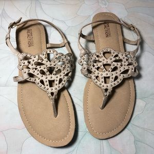 KENNETH COLE REACTION Studded Sandals 8